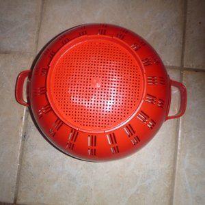 Vintage Kitchen - Vintage 80's Large Plastic Red Collender